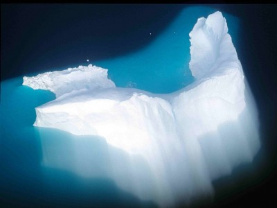 Objects of Amplification: Icebergs, Northern History, and their Emerging Media Environments